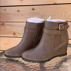 🆕 Brown Booties ✨